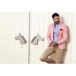 Pot purta barbatii haine de culoare roz?