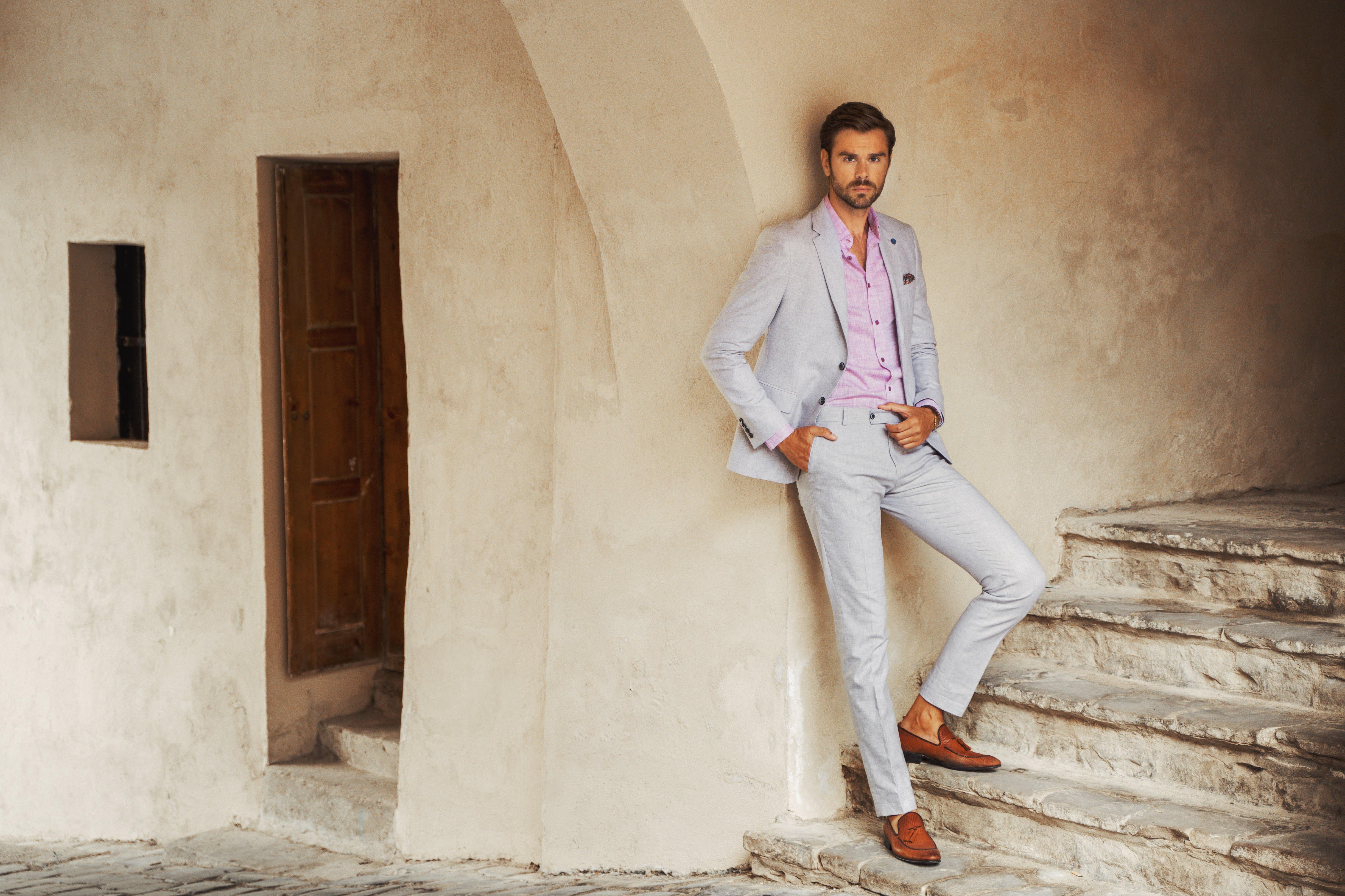 Cum sa asortezi vestele colorate pentru barbati la pantofii potriviti